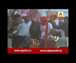 હિંમતનગરની સભામાં હાર્દિકના આગમન સાથે જ લોકોએ કરી પડાપડી, જુઓ VIDEO