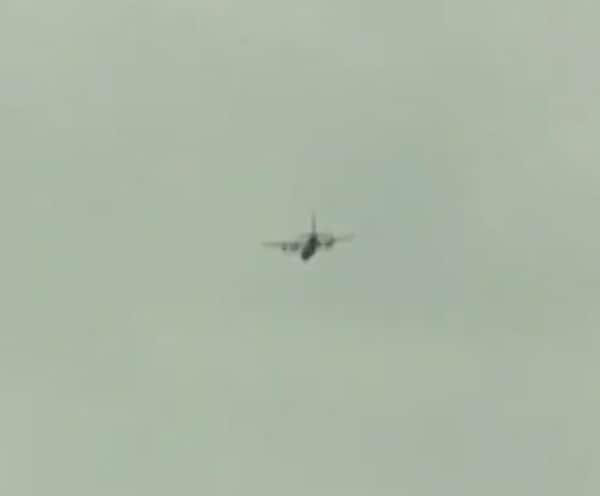 IAF Flypast | योद्ध्यांना सलामी; वायुदलाकडून फ्लायपास्टचं आयोजन
