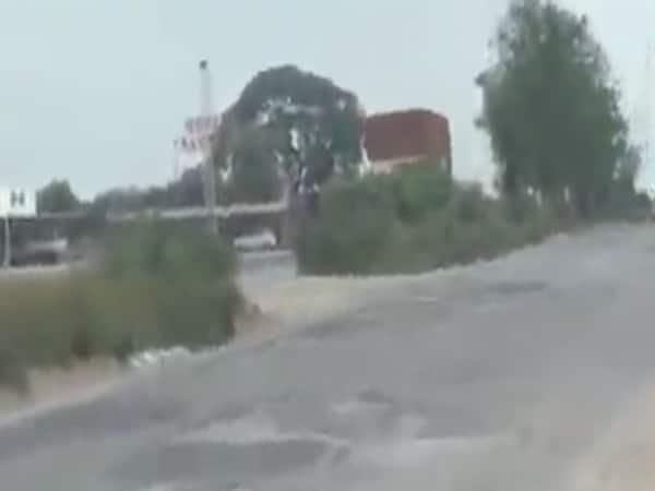 થોડા વરસાદમાં  મહેસાણા-પાલનપુર હાઈવે પર ઠેર ઠેર ખાડા પડતા વાહન ચાલકો પરેશાન